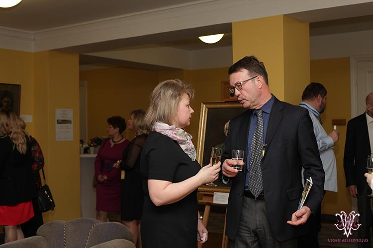 MTÜ Vene Muuseumi juhatuse liige Irina Budrik ning Venemaa Saatkonna nõunik Evgeny Verlin